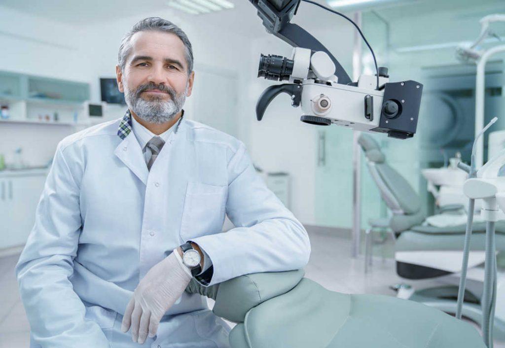 ¿Qué debe tener la mejor clínica dental?